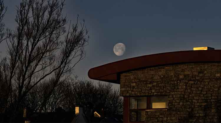 Moonset over Ballina Arts Centre, Friday, December 16, 2016. Photo: Anthony Hickey